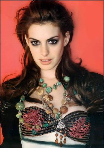 Anne-Hathaway-17