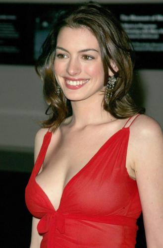 Anne-Hathaway-3