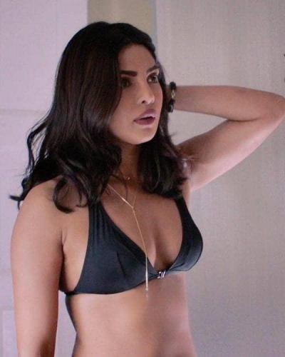 Priyanka-Chopra-awesome-pics