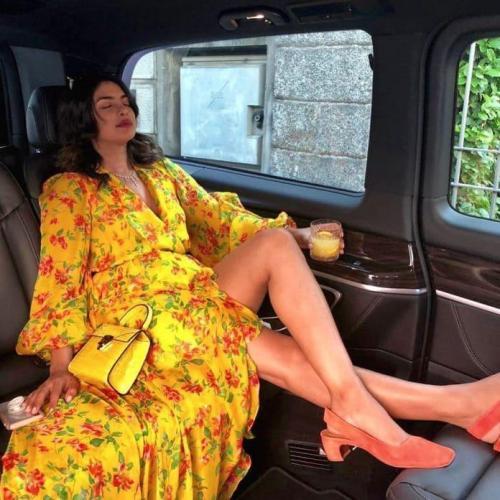 Priyanka-Chopra-feet-sexy-pic