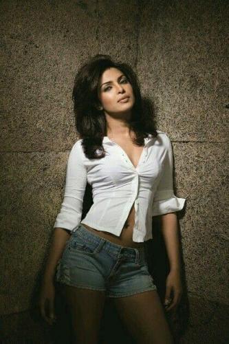 Priyanka-Chopra-hot-pic-2