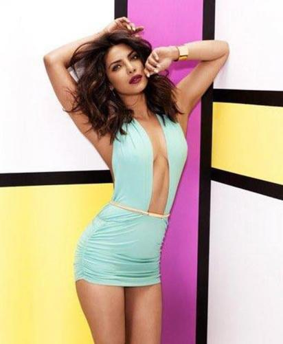 Priyanka-Chopra-sexy-and-hot