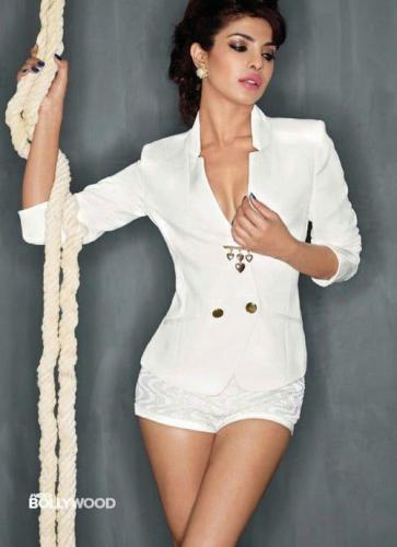 Priyanka-Chopra-thighs-pic