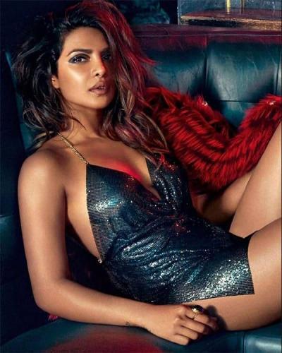 Priyanka-Chopra-thighs-pics
