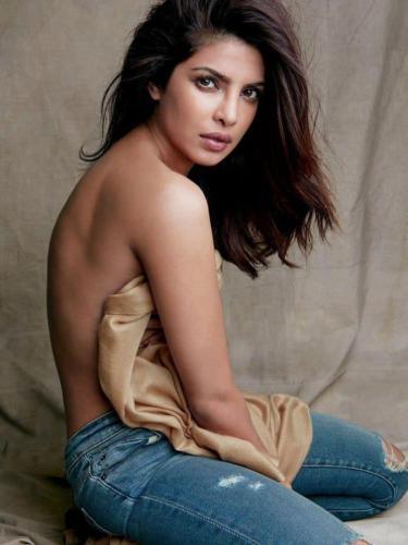 Priyanka-Chopra-topless