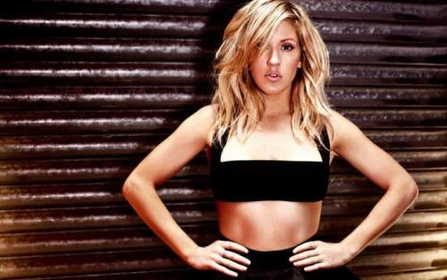 ellie-goulding-awesome-pics-cleavages