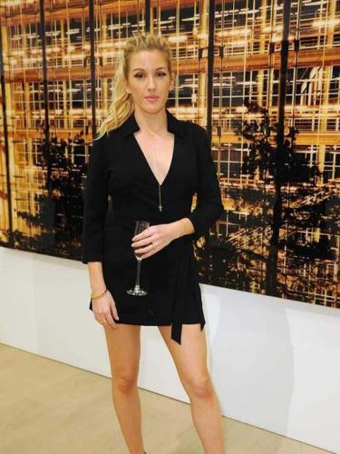 ellie-goulding-legs-awesome-pic